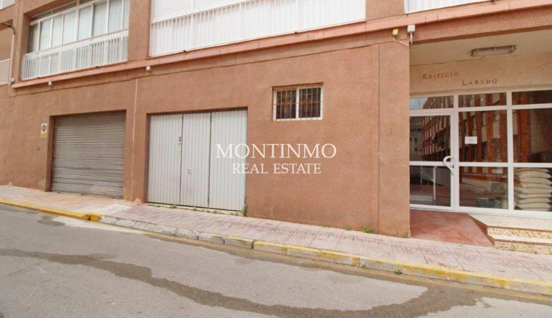 Commercial · Sale · La Mata · Center